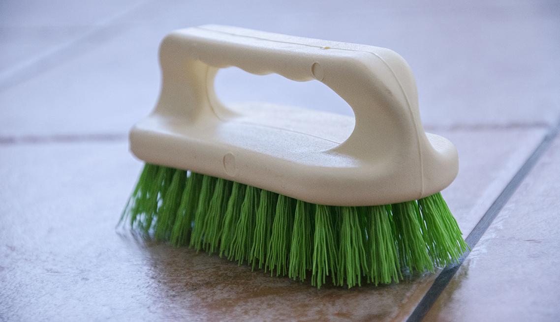 Peria frecat practic te ajuta sa indepartezi cu usurinta petele persistente de murdarie din bai sau bucatarii